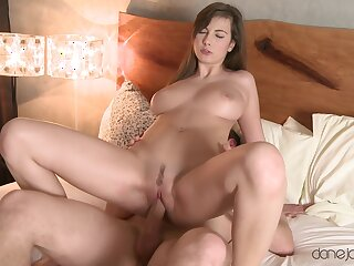 Trimmed pussy hew Connie Porter spreads her hooves to have sex