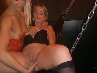 Dutch Girl Fists Her Girlfriend (long Version)